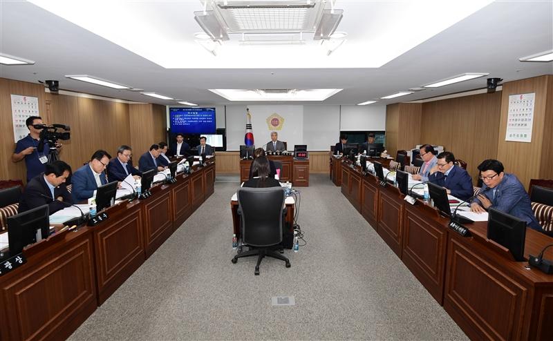 제274회 정례회 도시안전건설위원회 회의 이미지