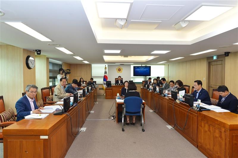 제274회 정례회 도시계획관리위원회 회의 이미지
