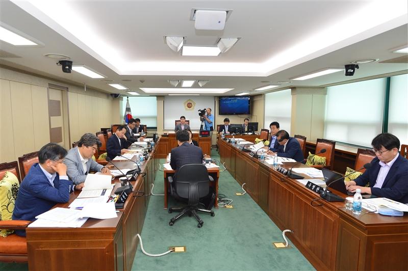 제274회 정례회 교통위원회 회의 이미지