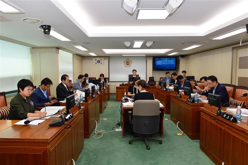 제275회 임시회 환경수자원위원회 회의 이미지