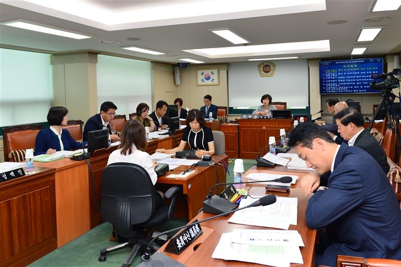 제276회 임시회 보건복지위원회 회의 이미지